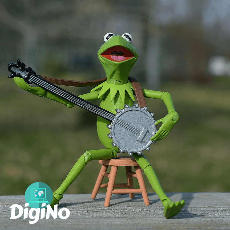 Use puppets and music for your online ESL class